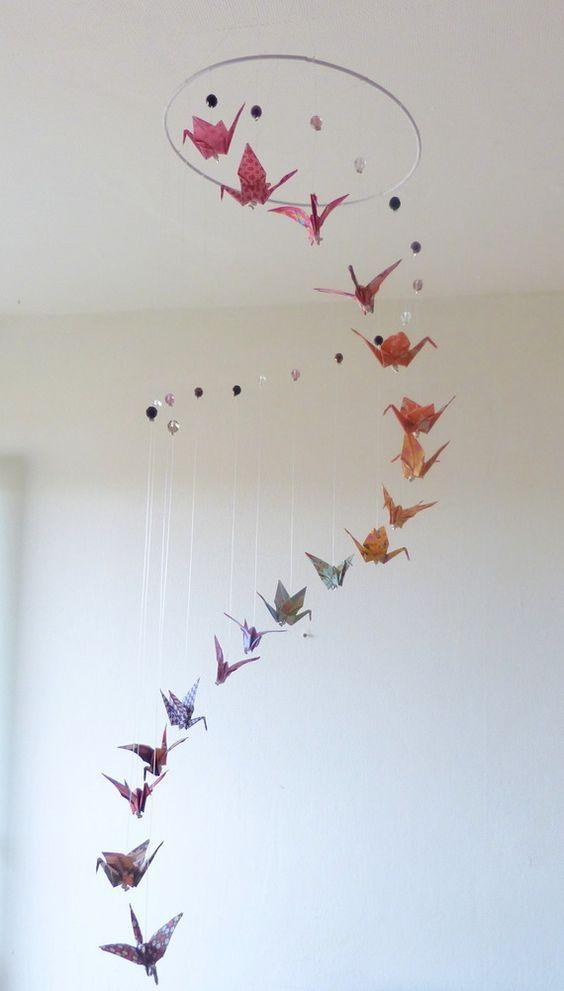 """Mobile bébé """"Spirale"""" grues origami et perles http://mademoiselle-origami.alittlemarket.com:"""