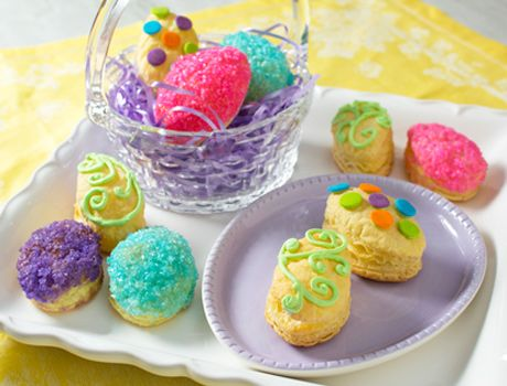 Easter Egg Marshmallow Crème Puffs (1c marshmallow fluff, 1/2c whipped topping)