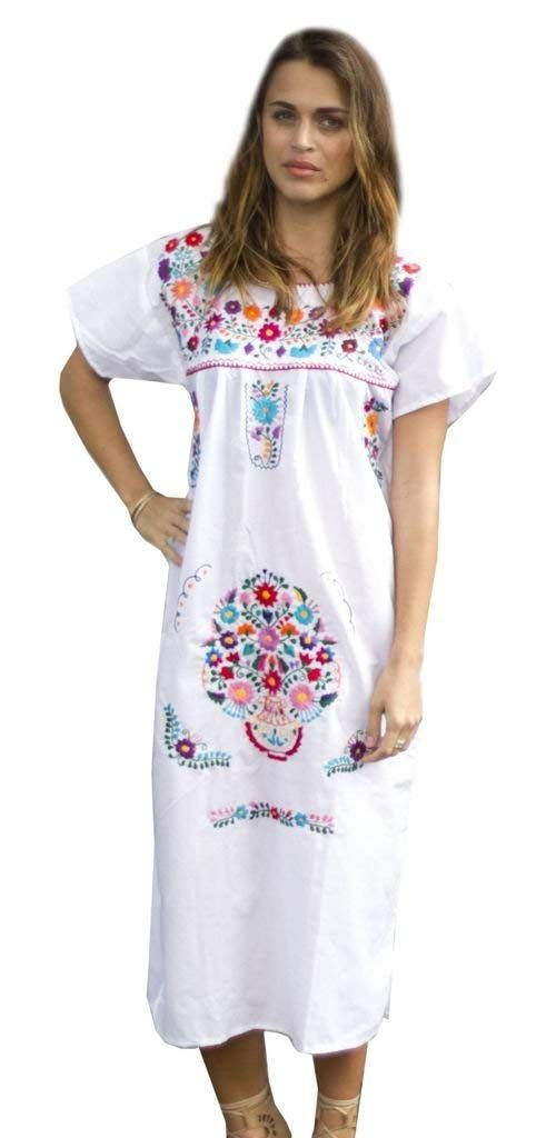 0f70ad94669 Liliana Cruz Embroidered Mexican Peasant Dress at Amazon Women s Clothing  store