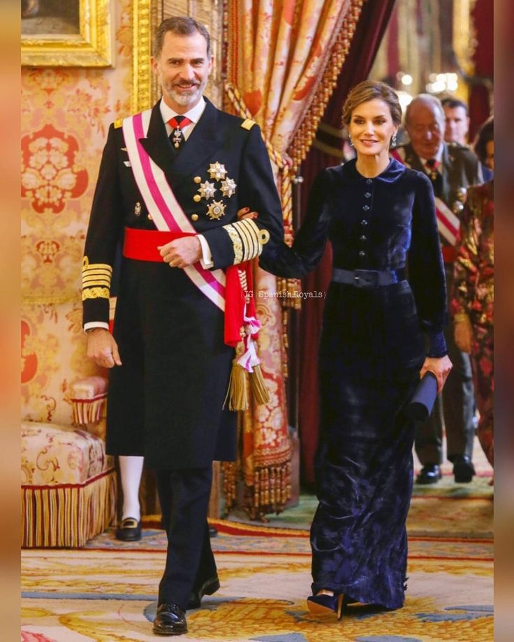 """774 Me gusta, 11 comentarios - Spanish Royal Family (@spanish.royals) en Instagram: """"News {6 January 2018   Saturday} : King Felipe and Queen Letizia presided over the traditional…"""""""