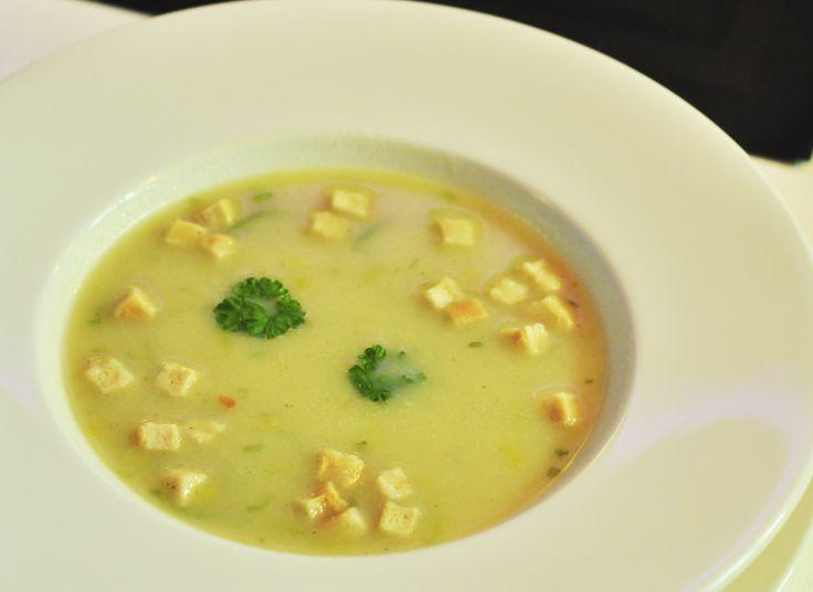 krem porowo- ziemniaczany/ leek-potato creamy soup