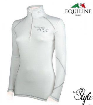 EQUILINE hosszú ujjú versenypóló Second Skin Nagyon szép, visszafogott eleganciát tükröző hosszú ujjú versenypóló, amely mint egy második bőr úgy simul viselőjére.   Technikai paraméterek  - technikai anyagból  - hozzáadott elasztánnal  - rendkívül puha  - kényelmes viselet  - légáteresztő  - gyorsan szárad  - cipzárral  - Equiline logóval