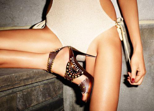 Картинки по запросу реклама обуви джимми чу