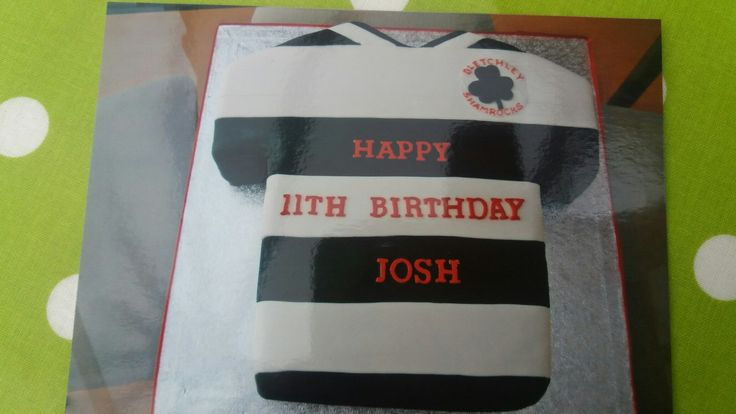 Rugby top cake