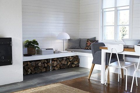 salon con chimenea-2: Window Benches, Houses, Woodstorag, Interiors, Fireplaces, Living Room, Window Seats, Storage Benches, Firewood Storage