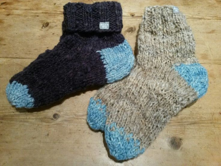 Hurrah, finely I am a real sockknitting granny! Selfspunnen and biologically dyed