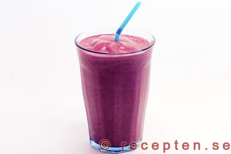 Blåbärssmoothie LCHF - Recept på en mycket god blåbärssmoothie LCHF style som man blir mätt på. Perfekt mellanmål.