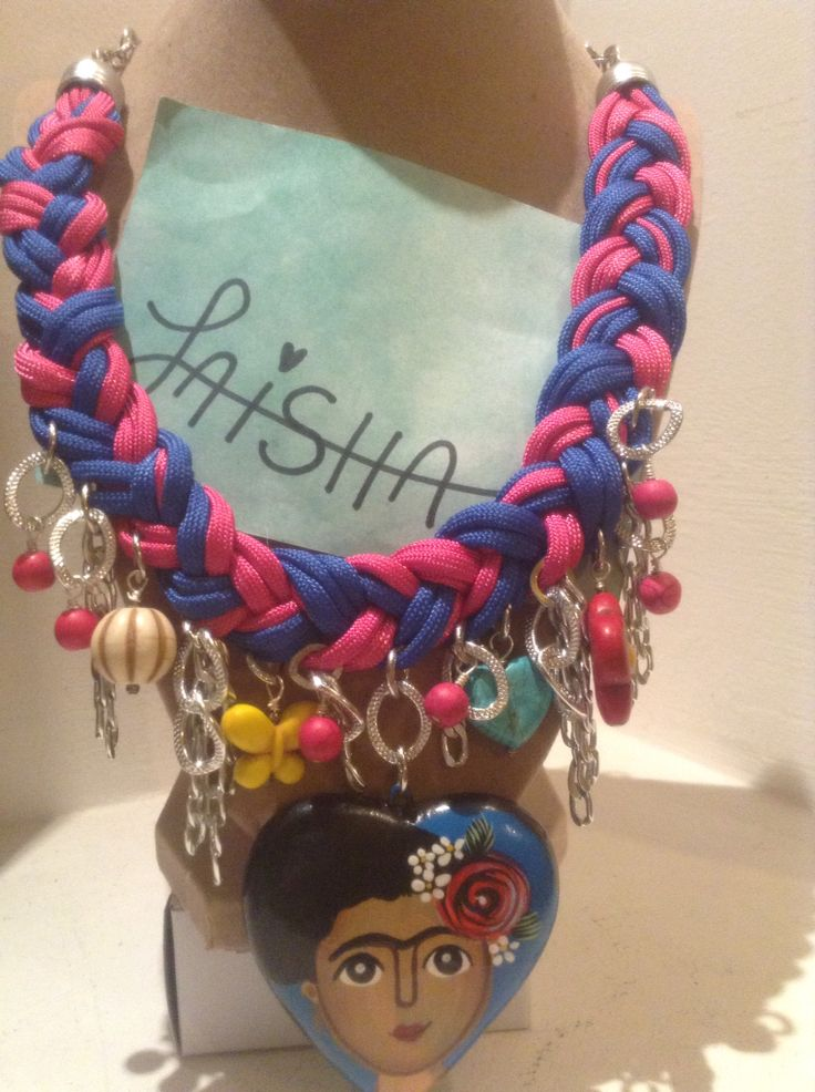 Collar de moda corazón de cerámica Frida