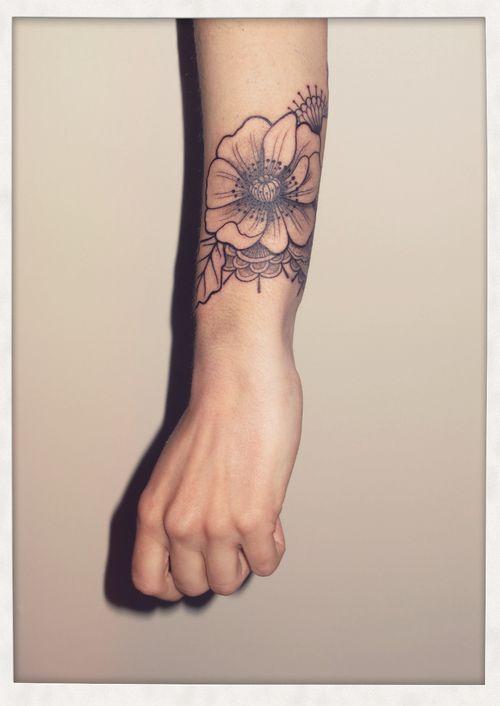 Les 122 meilleures images du tableau tatoo sur pinterest id es de tatouages inspiration - Tatouage manchette mandala ...