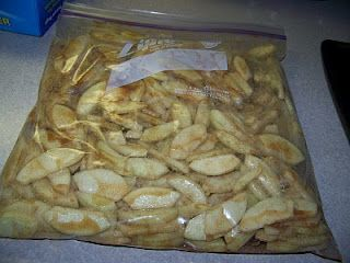 Apple Pie in a Bag! I have done this the past two Autumns.  I'm pinning this to share the idea with all of you!