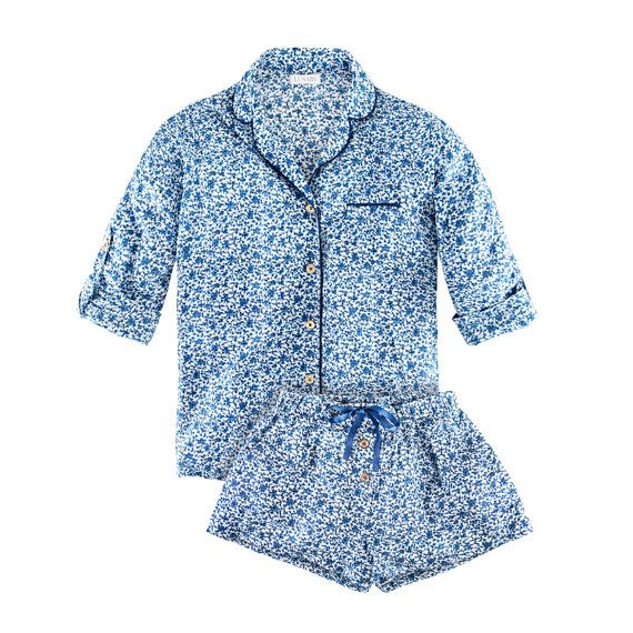 Cotton pyjamas in blue and white Shelly Blue from Lunaby. We love beautiful sleepwear!