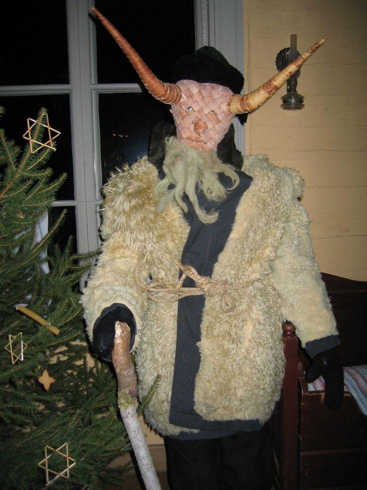 Nuttipukki costume