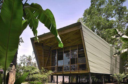 Diseño arquitectónico contemporáneo adaptado al clima caluroso y húmedo