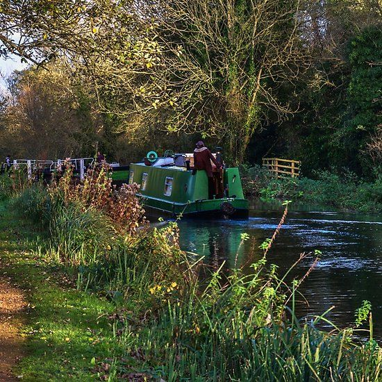 Traffic On The Kennet and Avon Canal