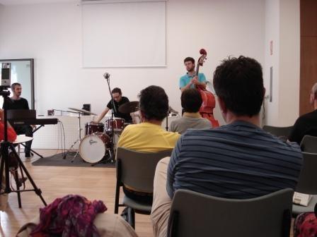 Concierto a cargo del grupo The Jazz Snatchers, con una gran acogida por parte de los usuarios. 30 de mayo.