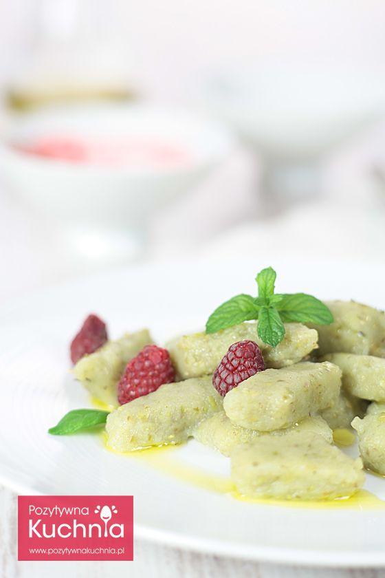 #Przepis na #kopytka z bobem i ziemniakami. Pomysł na pyszny, tani obiad i wykorzystanie sezonowego #bob.u  http://pozytywnakuchnia.pl/kopytka-z-bobem/  #kuchnia