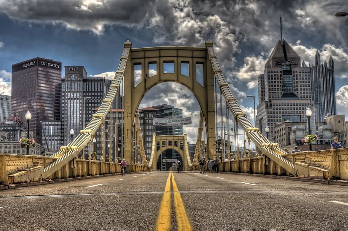 Can we talk about Pittsburgh bridges?  The Roberto Clemente Bridge, also known as the Sixth Street Bridge...Named for the Pittsburgh Pirates baseball player, Roberto Clemente, one of three parallel bridges called The Three Sisters, the others being the Rachel Carson Bridge & the Andy Warhol Bridge.