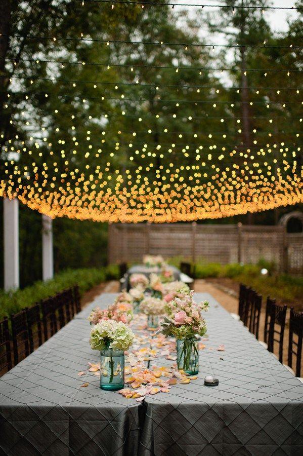 Beautiful, simple tablescape.
