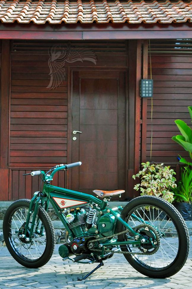 Thought the house was really cool until I scrolled down and saw the bike.
