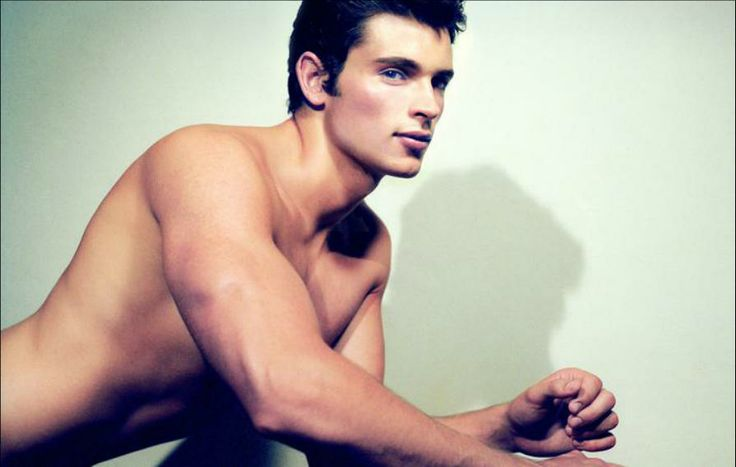 Tom Welling shirtless ...