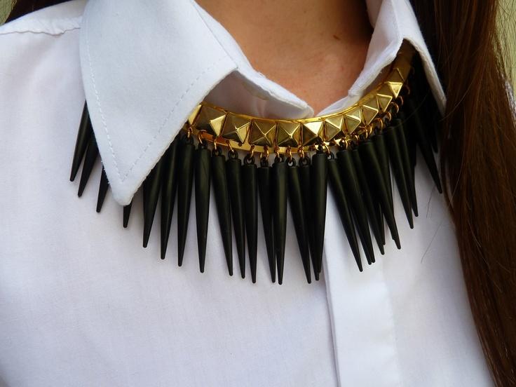 Collar Ramona con púas