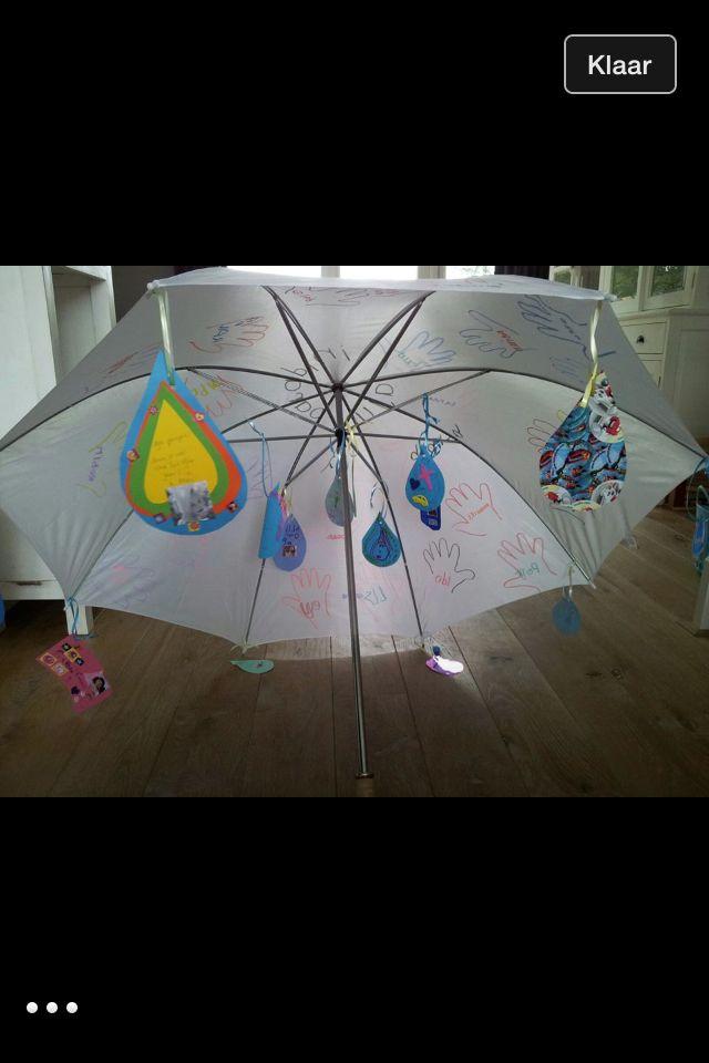 Aju paraplu, leuk als afscheidskado voor een stagiaire of leerling