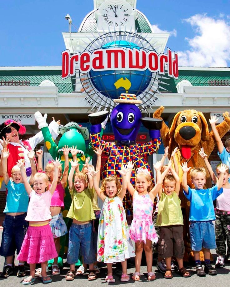 .Tragically there has been a fatal accident at Dreamworld on 25.10.2016 and it will be closed for some time.