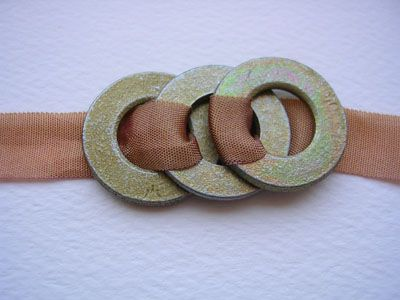 washer and ribbon necklace or bracelet http://thesmallobject.com/stenopad/wordpress/?p=976