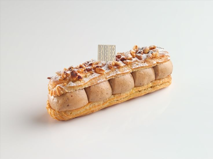 Éclair Paris Brest made by patissier FabienRouillard for Fauchon, Paris.