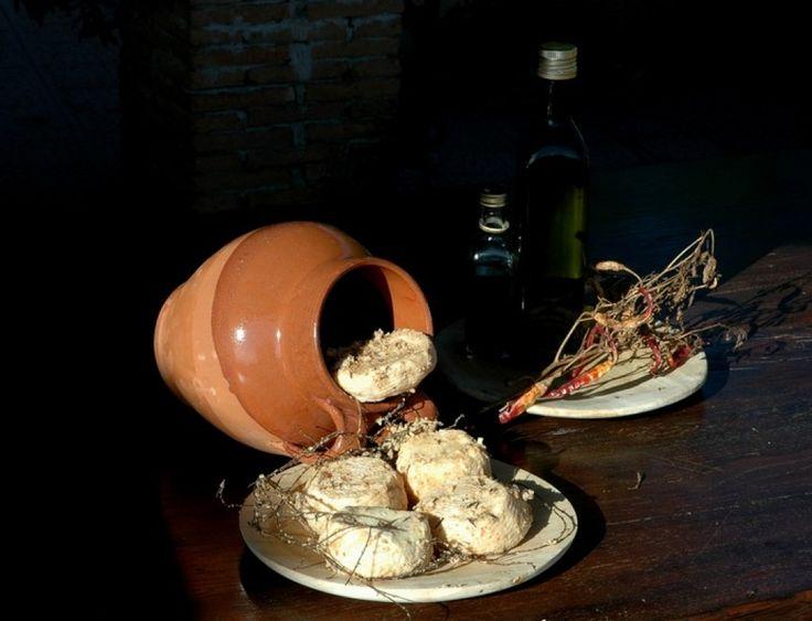Il Conciato romano, dopo anni di abbandono, sta conoscendo oggi un rinnovato interesse, tanto da essere diventato presidio Slow Food unico della provincia di Caserta ed essere stato incluso nell'elenco regionale dei prodotti tradizionali della Campania