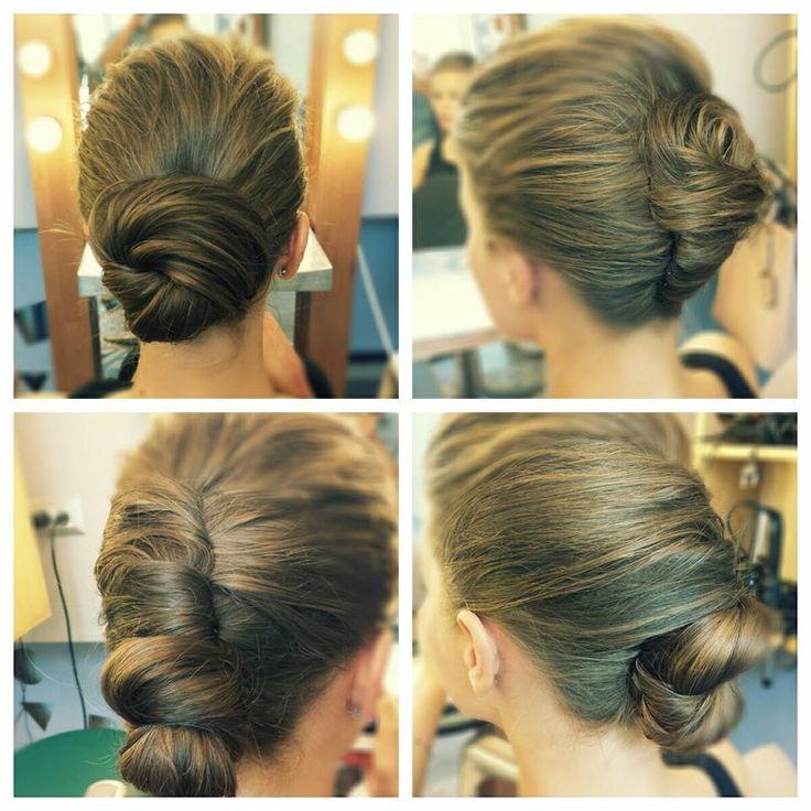 4 propuneri de coc. Tu pe care-l preferi? #hairstyle #bun #beautysalon
