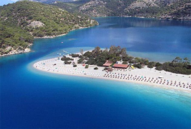 Day 3: OLUDENIZ (DEAD SEA) – GEMILER ISLAND Because of the wavy seas of Disibilmez and Kurtoglu that we have to cross, we will cruise earlier than the other days and reach the world-famous Oludeniz Bay. Our yacht will be anchored in Oludeniz for lunch and a swimming break.