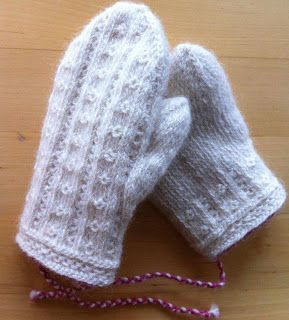 Lappone: Ögontröst - Child´s mittens in twined knitting