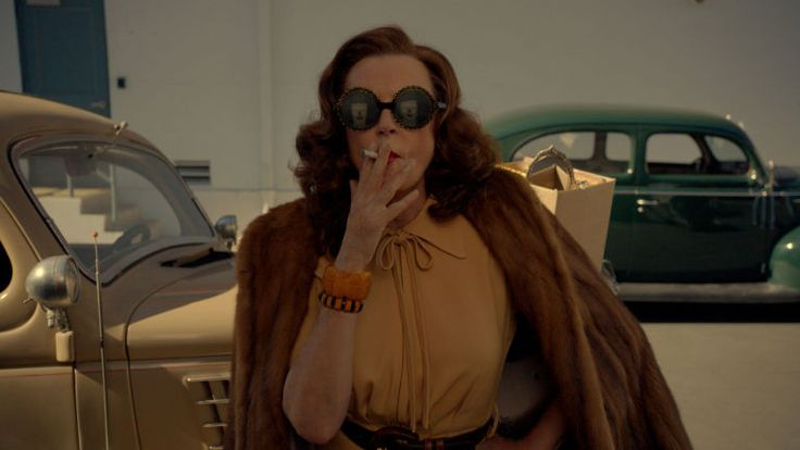Feud: Bette and Joan Season 1 Episode 1 'Pilot' Recap - Feud Review