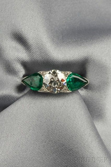 Art Deco Platinum, Emerald, and Diamond Ring | Sale Number 2624B, Lot Number 522 | Skinner Auctioneers