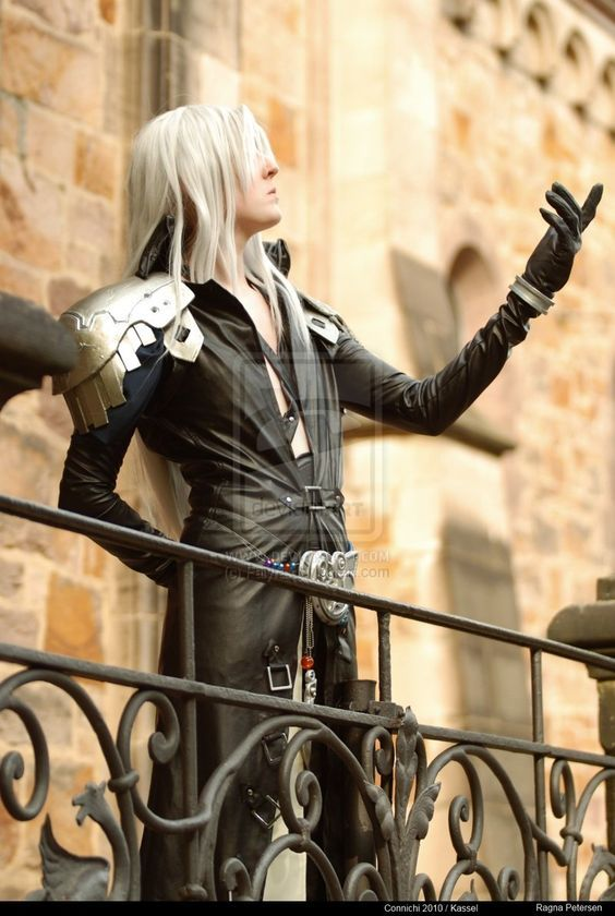 1000+ images about Sephiroth on Pinterest | Cloud strife, Fanart and ...