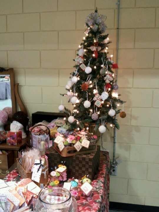 Craft show christmas ideas pinterest for Ohio holiday craft shows