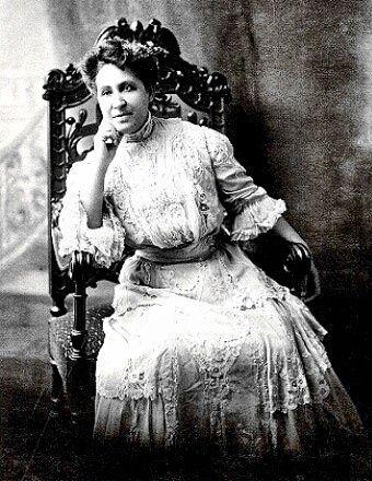 Meryem Ana Kilisesi Terrell (23 Eylül 1863 - 24 Temmuz 1954) ilk biriydi Afrikalı-Amerikalı bir üniversite diploması kadınlar ve ulusal aktivist olarak tanındı sivil haklar ve oy hakkı ; 1909 yılında, o bir kurucu üyesiydi Renkli İnsanların İlerlemesi için Ulusal Derneği . O öğretti ve Washington DC'de bir akademik yüksek okulda bir müdürü vardı; 1896 yılında, o Amerika Birleşik Devletleri'nde ilk Afrikalı-Amerikalı kadın 1906 Terrell dahil olmak üzere birçok önemli dernekleri, led kadar…