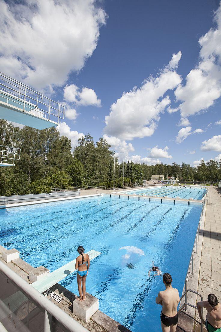 Maauimalassa kelpaa porskutella! Kuva: Tapio Aulu #Riihimäki #maauimala #uimala