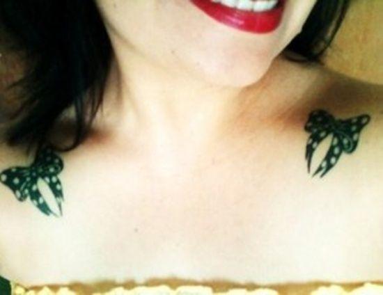 33 Tatouages avec des chiffres romain - 10 https://tattoo.egrafla.fr/2015/10/10/modele-tatouage-noeud-ruban/