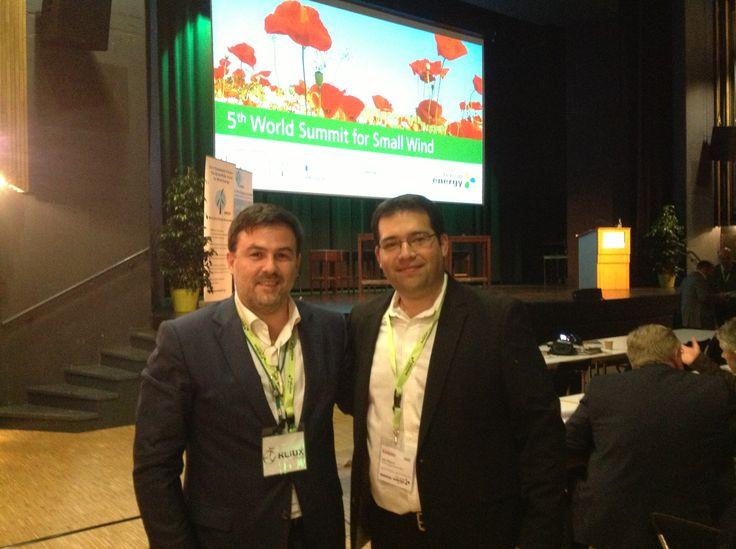 Iñaki Eguizábal con Jean-Daniel Pitteloud de WWEA en New Energy Husum