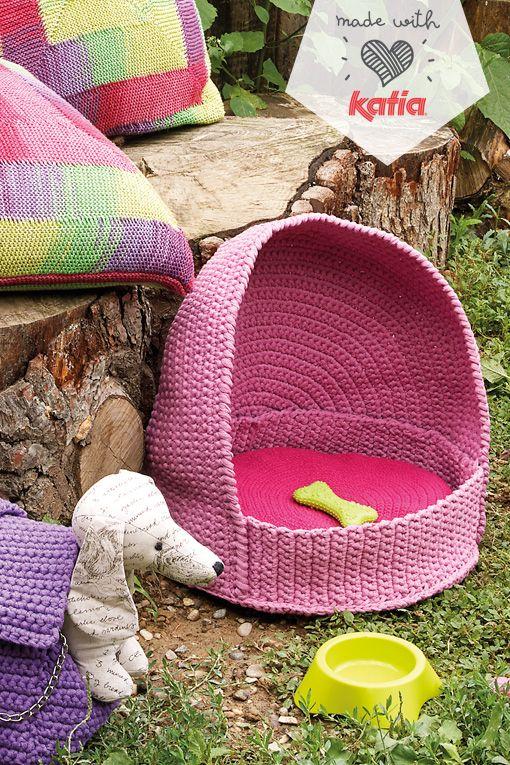 6 ideas para tejer a tus mascotas porque tu hogar es su hogar | http://www.katia.com/blog/es/patrones-hogar-tejido-mascotas/