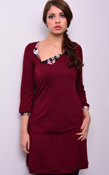 *** Jersey Kleid - bordeaux rot - Blumen - Blüten von stadtkind potsdam auf DaWanda.com  like the neckline