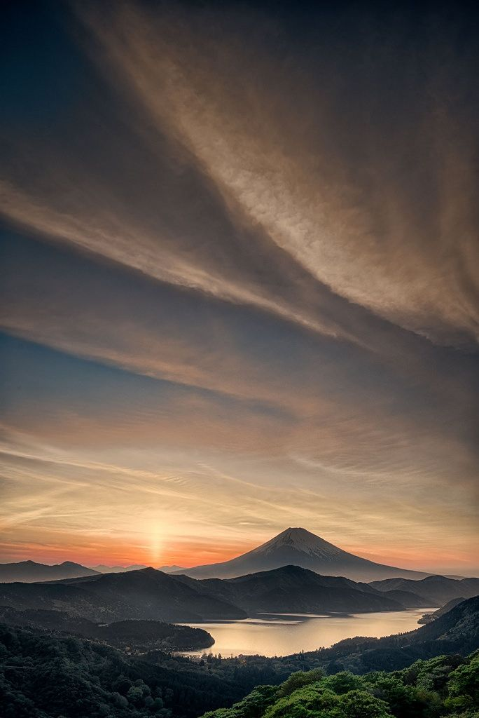Mt.Fuji and sunrise. -- Japan, scenery, landscape, nature, beautiful