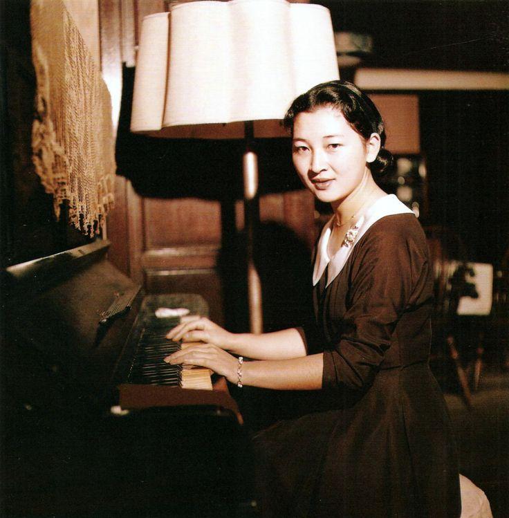 Empress Michiko