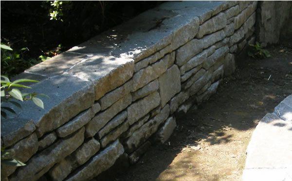 自然石や御影石を使った花壇の写真 Diy初心者が庭 外構を自作 花壇 花壇 レンガ 御影石