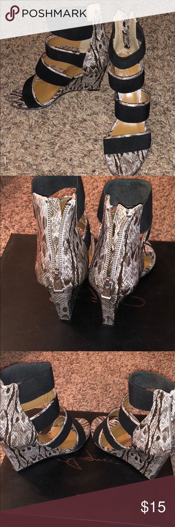 Report signature grays natural size 8 shoes Good condition report signature heeled strappy sandals! Report Signature Shoes Wedges