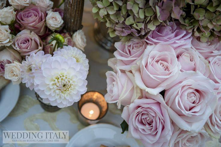 #CastelloDiModanella #PhCarloCarletti #FlowersDecorations #SweetAvalanche #WhiteDahlia #Hydrangea #SprayRoses #Candle