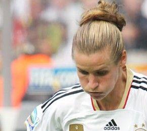 Deutschland steht im Viertelfinale - Fußball-WM - Die deutsche Frauen-Fußballnationalmannschaft hat sich bei der Weltmeisterschaft 2011 vorzeitig für die Runde der letzten Acht qualifiziert.