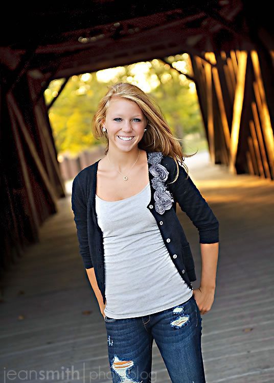 Gorgeous shoot for senior picture(:
